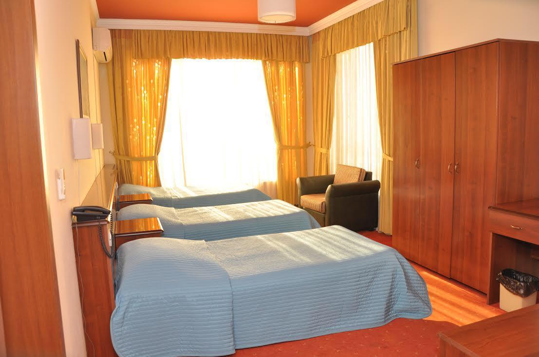 VIVAS hotel durres albania - triple room